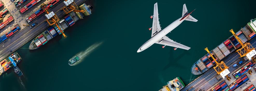 ご挨拶のイメージ画像 飛行機と船