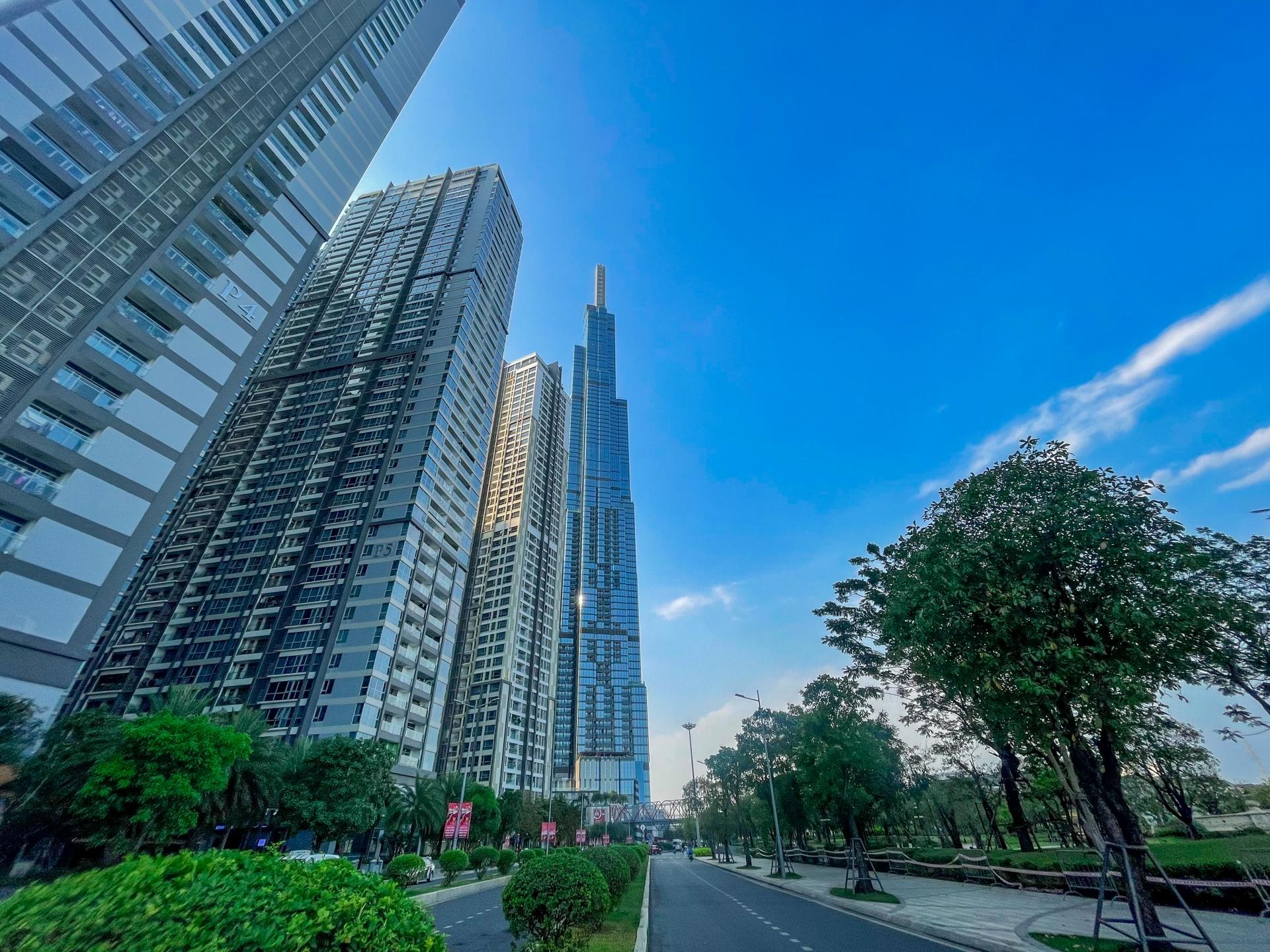 「ランドマーク81」高さ481.3メートルで東南アジア最高層ビル